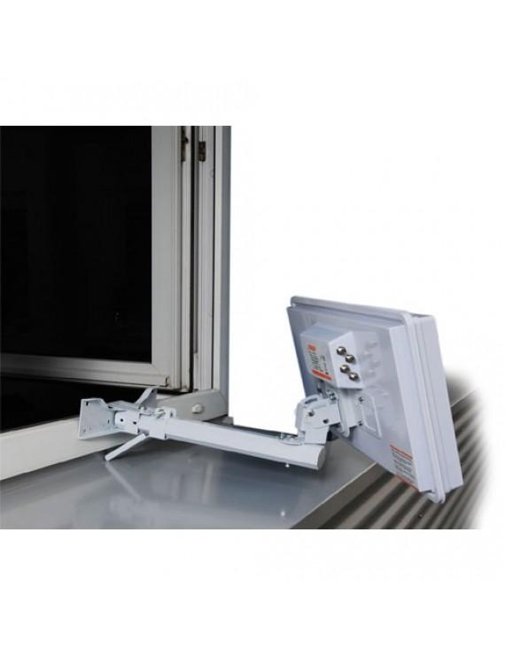 Selfsat fönsterfäste